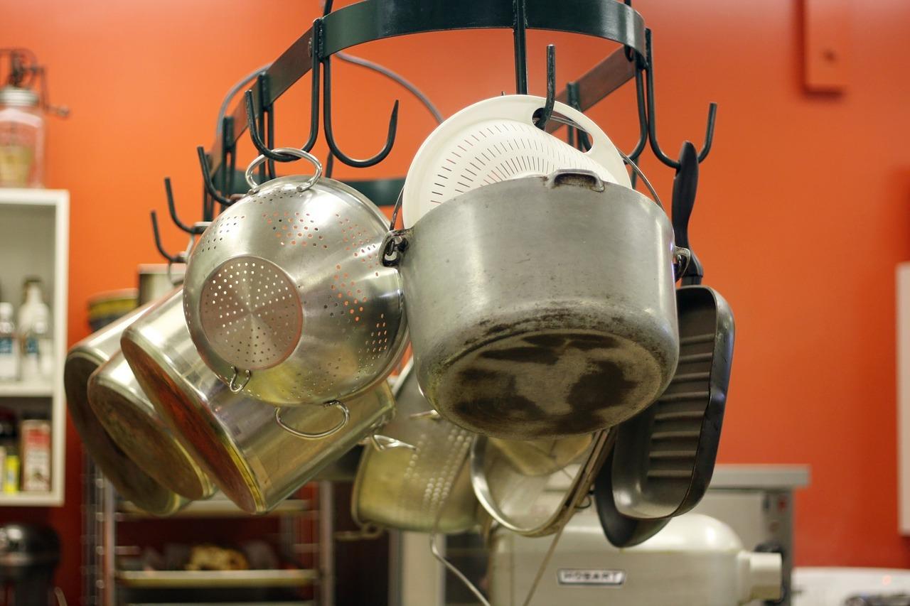 Przegląd popularnych garnków do kuchni